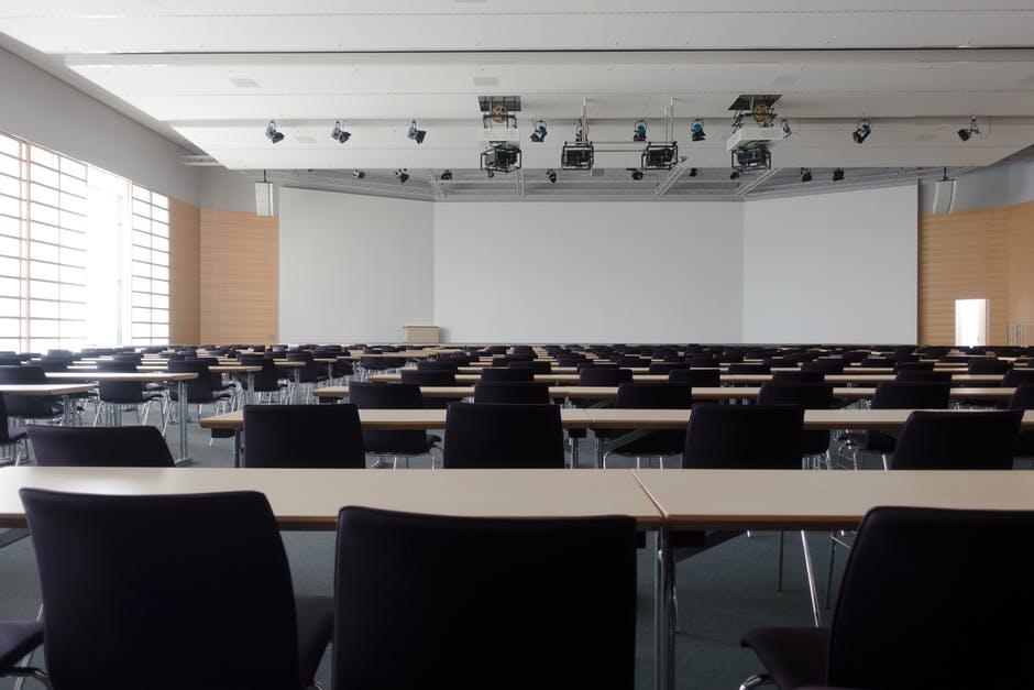 Konferencja dopięta na ostatni guzik – o czym trzeba pamiętać przy jej organizacji?