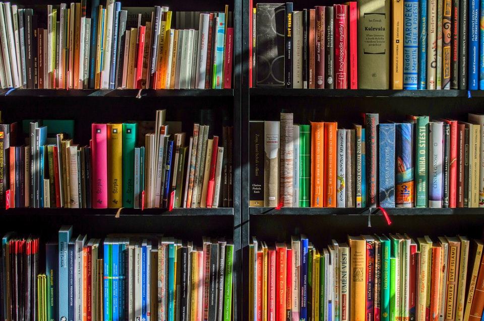Polska księgarnia w UK, czyli gdzie kupić książki podczas pobytu za granicą?