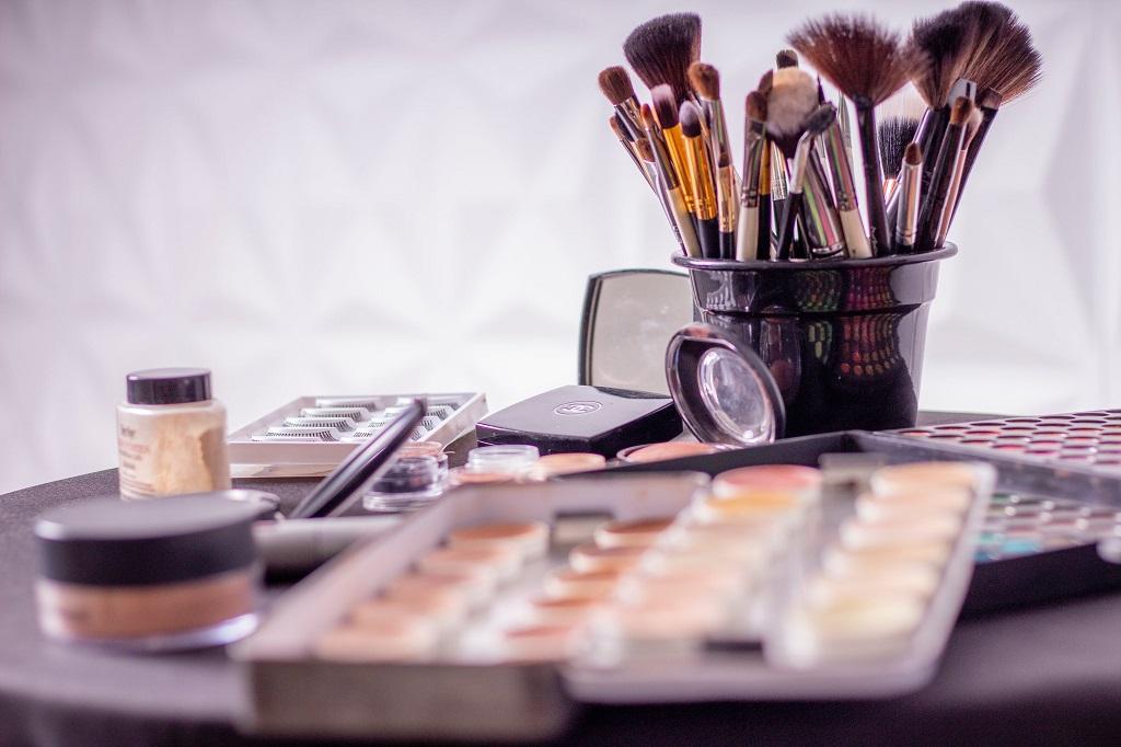 Jakie pędzle do makijażu wybierać