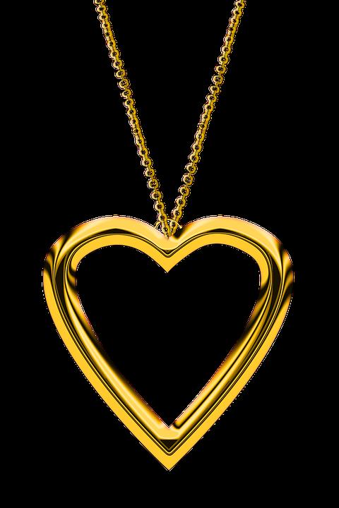 złoty naszyjnik z serduszkiem