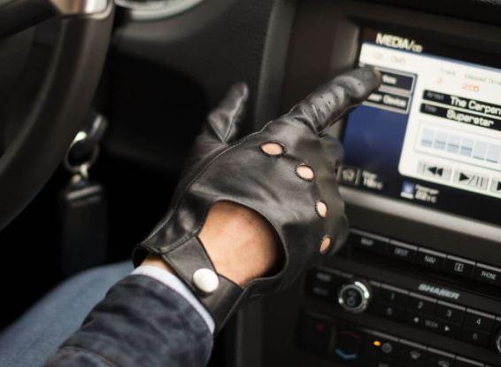 Jak powinny leżeć męskie rękawiczki?
