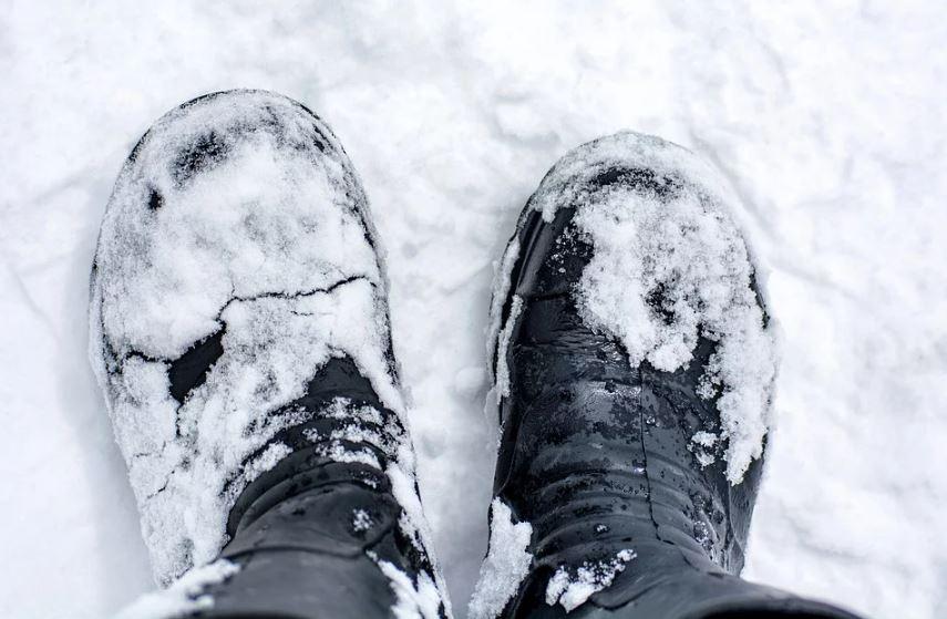 Jakie aspekty należy uwzględnić przy wyborze zimowych butów męskich?