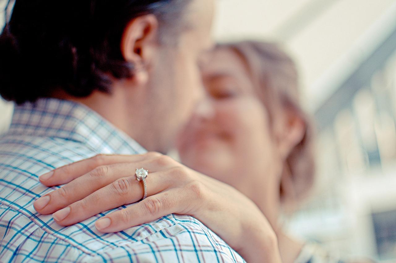 Rozmiary pierścionków – jak wybrać dopasowaną biżuterię?