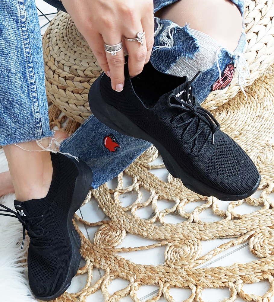 Jakie buty damskie sportowe wybrać na długie spacery?